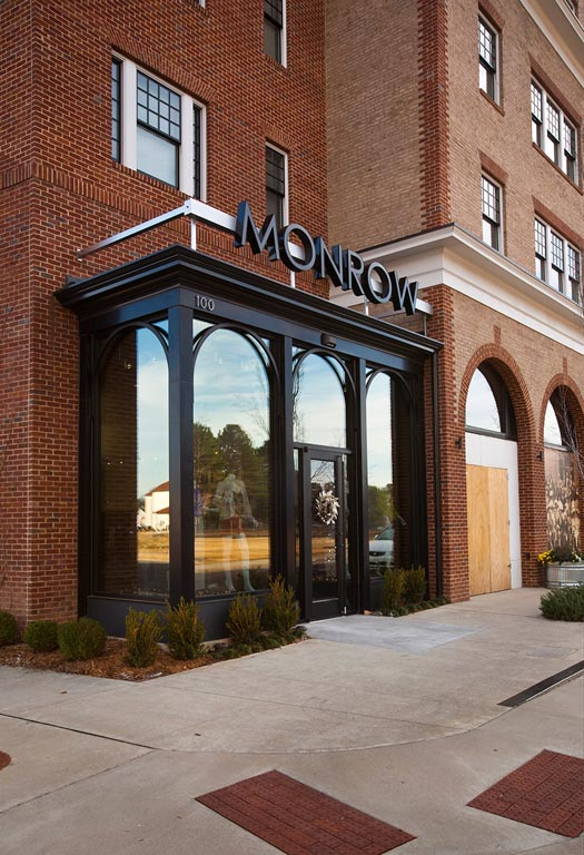 Monrow Boutique Gallery